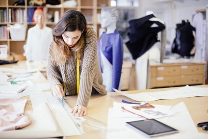 Modedesign Schneider Schnittpapier